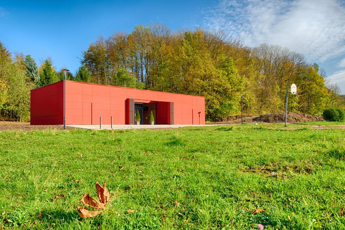 Red Cube - Jugendzentrum in Schmerbach