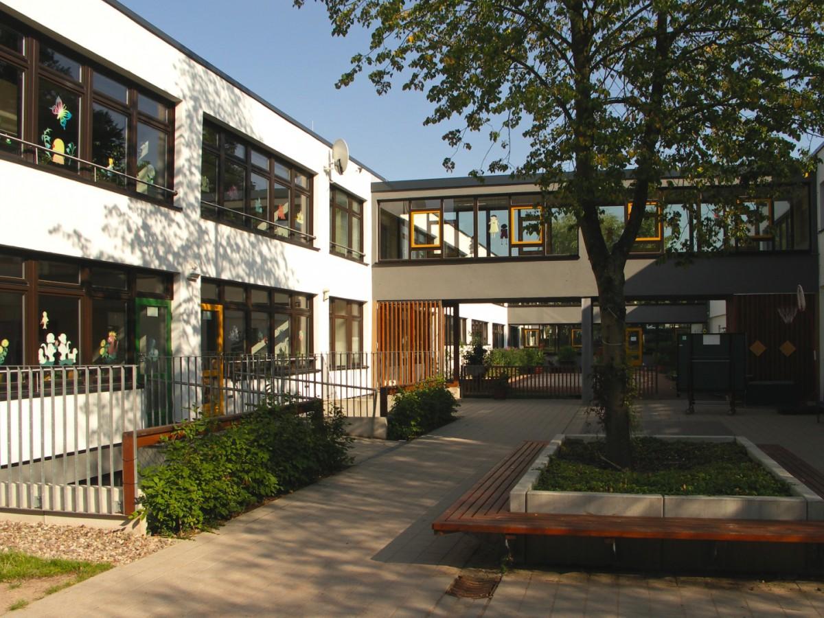 Innenhof   Grundschule   Seebach