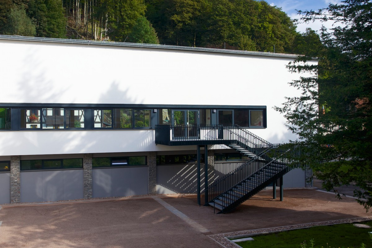 Westseite   Kulturhaus   Ruhla