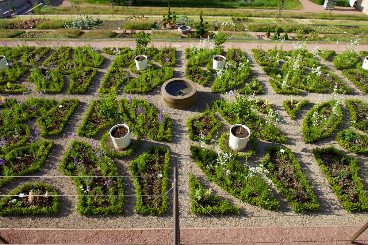 Terrassengarten mit Wasserkunst auf Schloss Wilhelmsburg